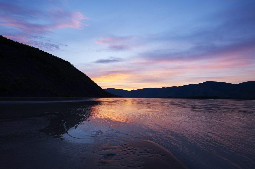 Yukon River Kanutour - Sonnenuntergang am Yukon.