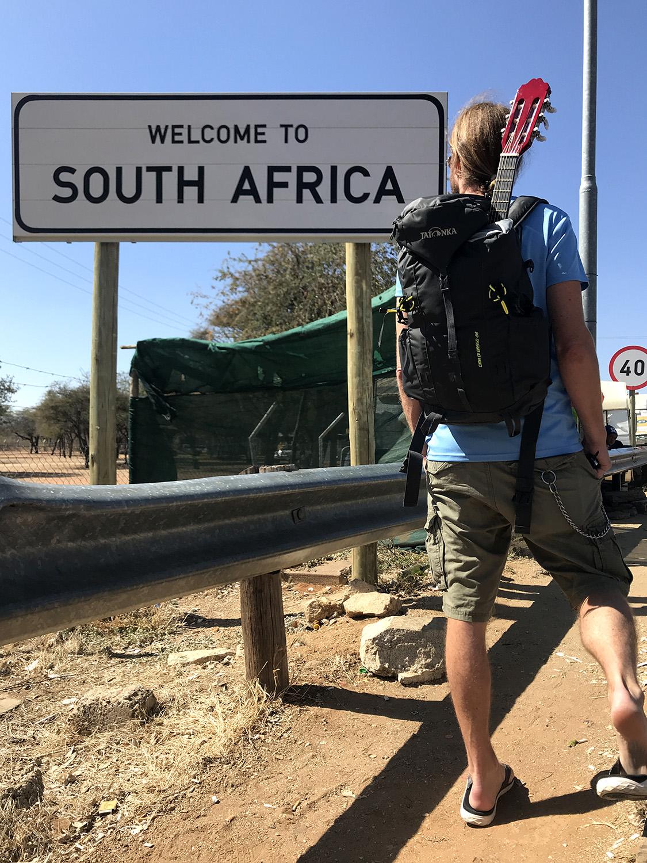 Das Ende einer langen Safari-Tour an der Grenze zwischen Südafrika und Botswana am Pioneers's Gate