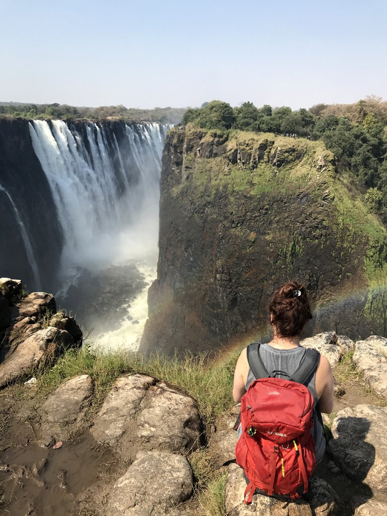 Einfach mal den Ausblick auf die Viktoriafälle in Zimbabwe