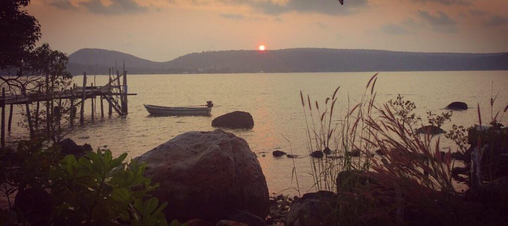 Sonnenuntergang auf der unbewohnten Seite von Tioman.