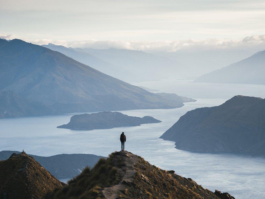 Marvin Kuhr auf dem Roys Peak (1.581 m) mit Blick auf den Wanaka See.
