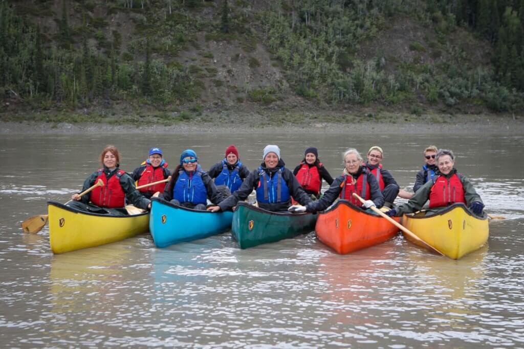 Ein letztes Abschlussfoto im Kanu bevor wir in Circle an Land gehen.