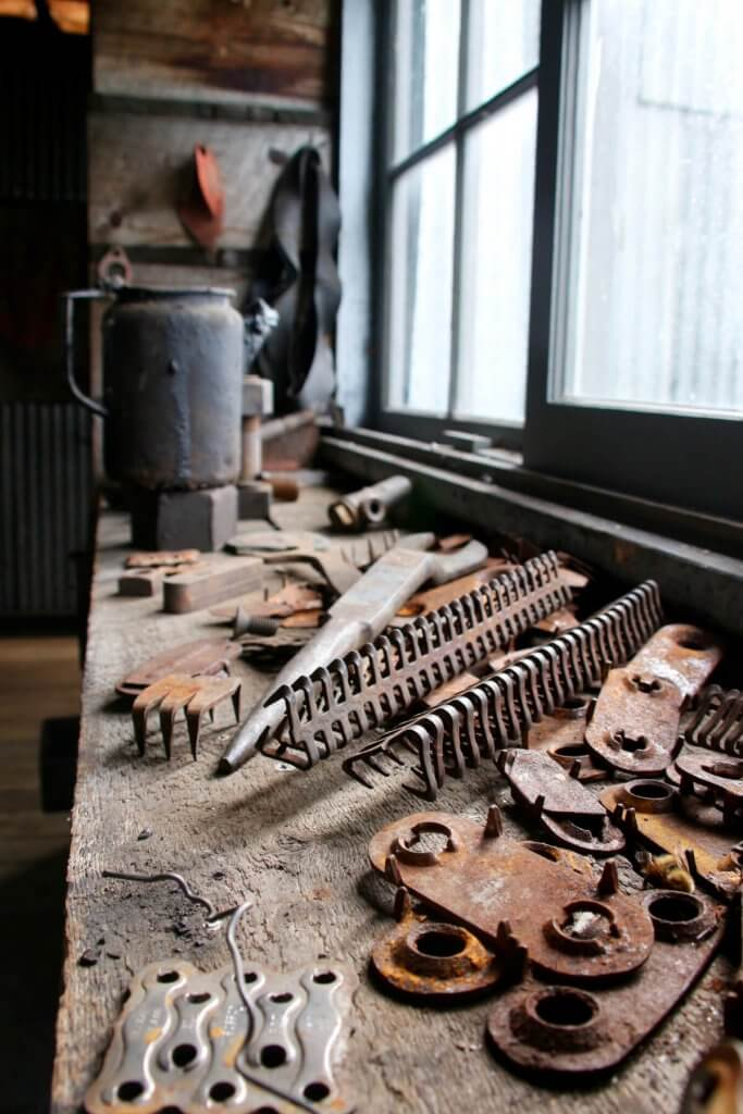 Rostiges Werkzeug im Slavens Roadhouse.