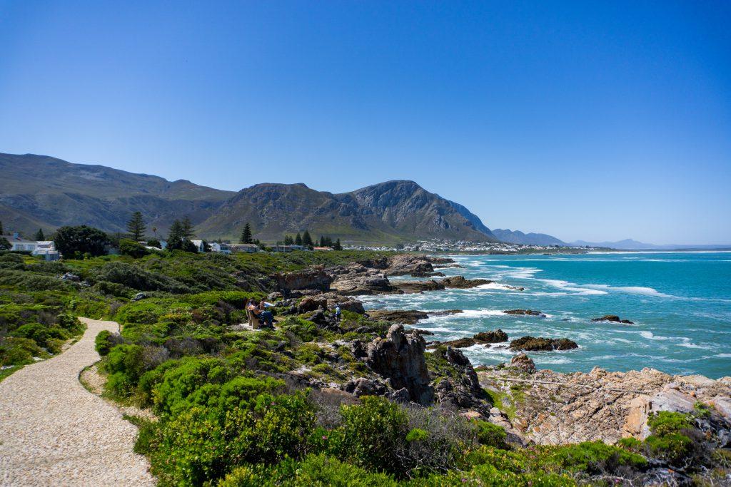 Garden Route Südafrika - Blick vom Cliff Path in Hermanus aufs Meer.