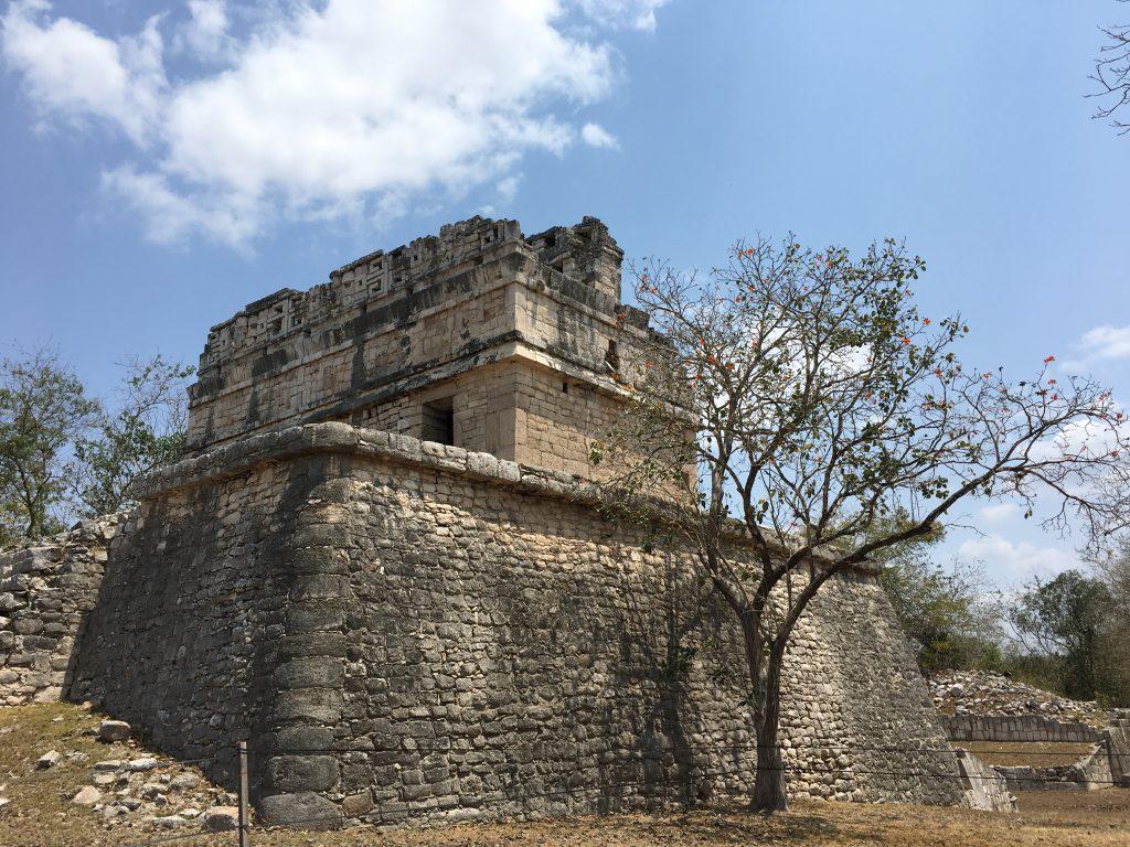 Roadtrip Yucatan - Maya-Ruine in Chichén Itzá, einer der bekanntesten Ruinenstätten Mexikos.