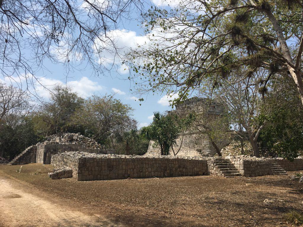 Roadtrip Yucatan - Maya-Ruine auf der Anlage Chichén Itzá, einer der bekanntesten Ruinenstätten Mexikos.