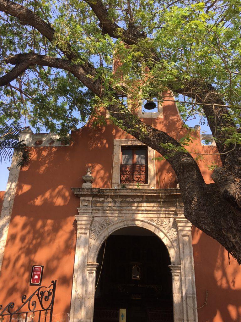 Roadtrip Yucatan - Hausfassade in Merida in Mexiko: Die Stadt bietet eine traumhafte Architektur.
