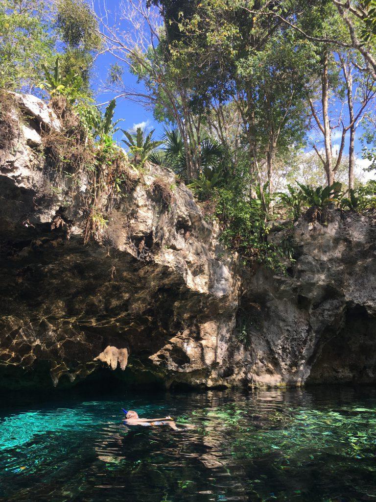 Roadtrip Yucatan - Cenoten traumhafte, mit Wasser gefüllte Höhlen bzw. Löcher.