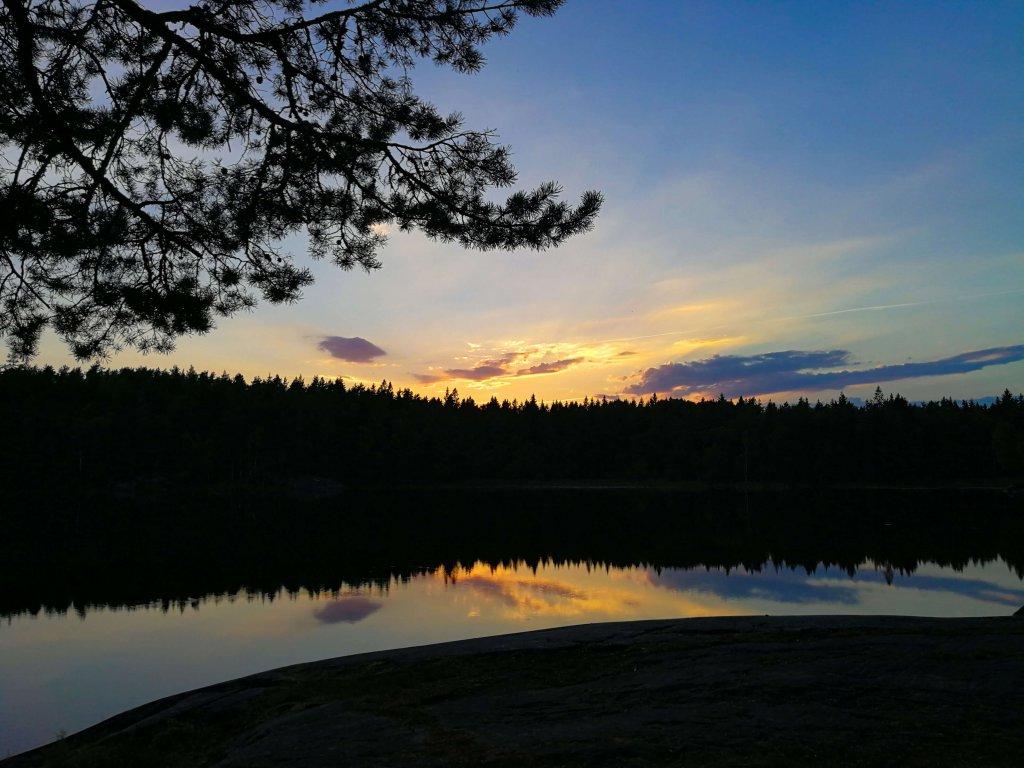 Abendstimmung am Lilla Härsjön See.