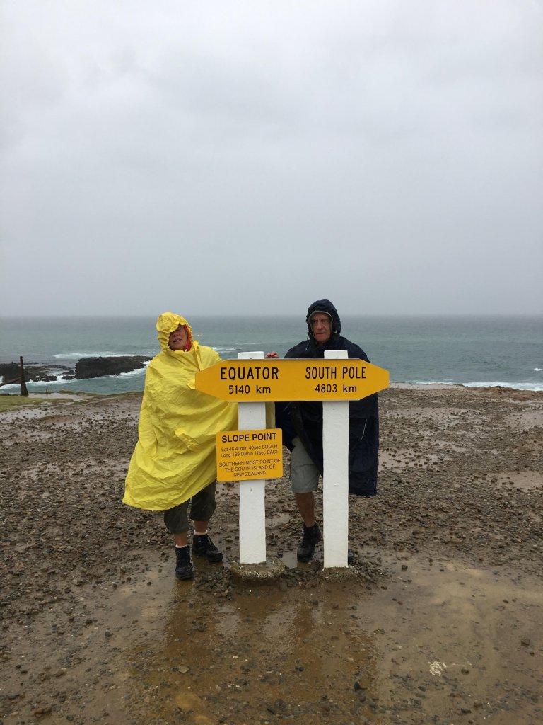 Am Slope Point, dem südlichsten Punkt Neuseelands.