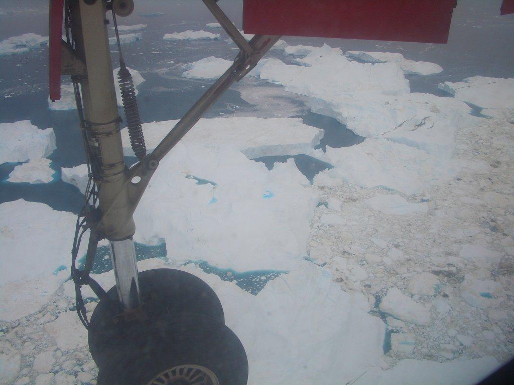 Von Sisimiut nach Ilulissat  - Inländischer Kurzflug entlang der grönländischen Küste.