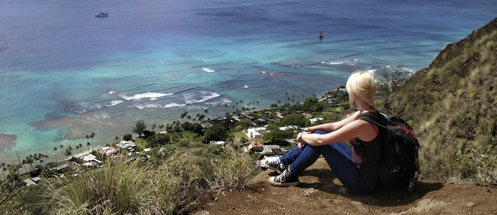 Tatonka The Trekkin' Crew -Nicole Thomas auf Waikiki, Hawaii.