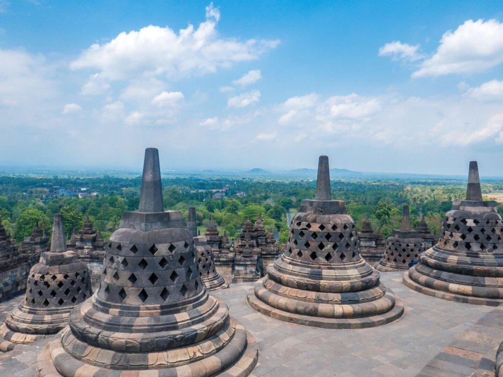 Stupas des Borobudur Tempel in der Provinz Jawa Tengah in Yogyakarta auf Java, Indonesien.