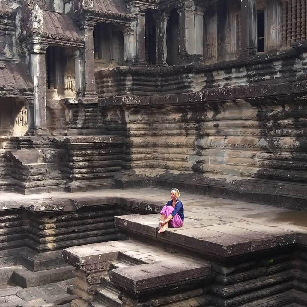 Nicole im Angkor Wat Tempel in Kambodscha.