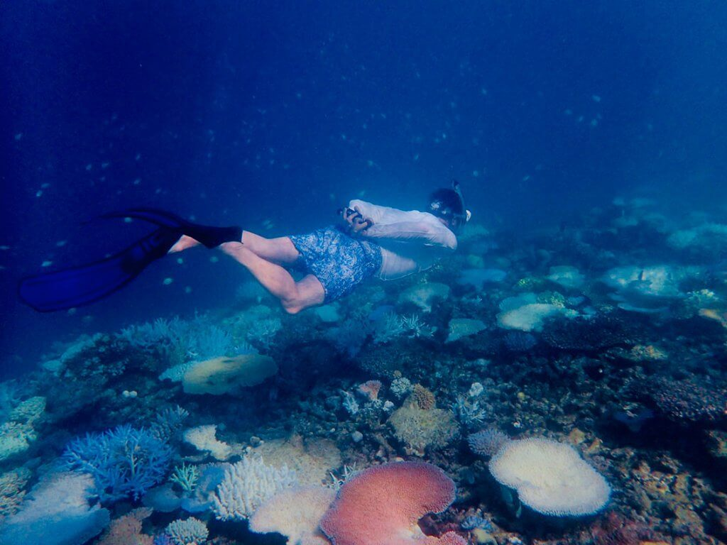 Michi Bösiger beim Schnorcheln auf den Fidschi-Inseln.