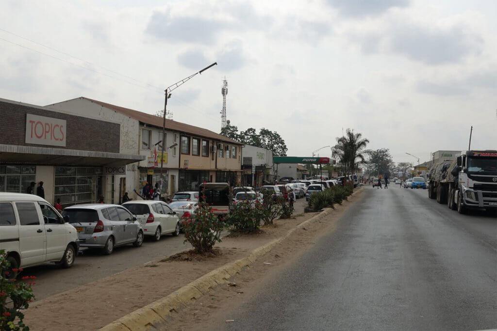 Roadtrip Afrika - Tanken in Simbabwe