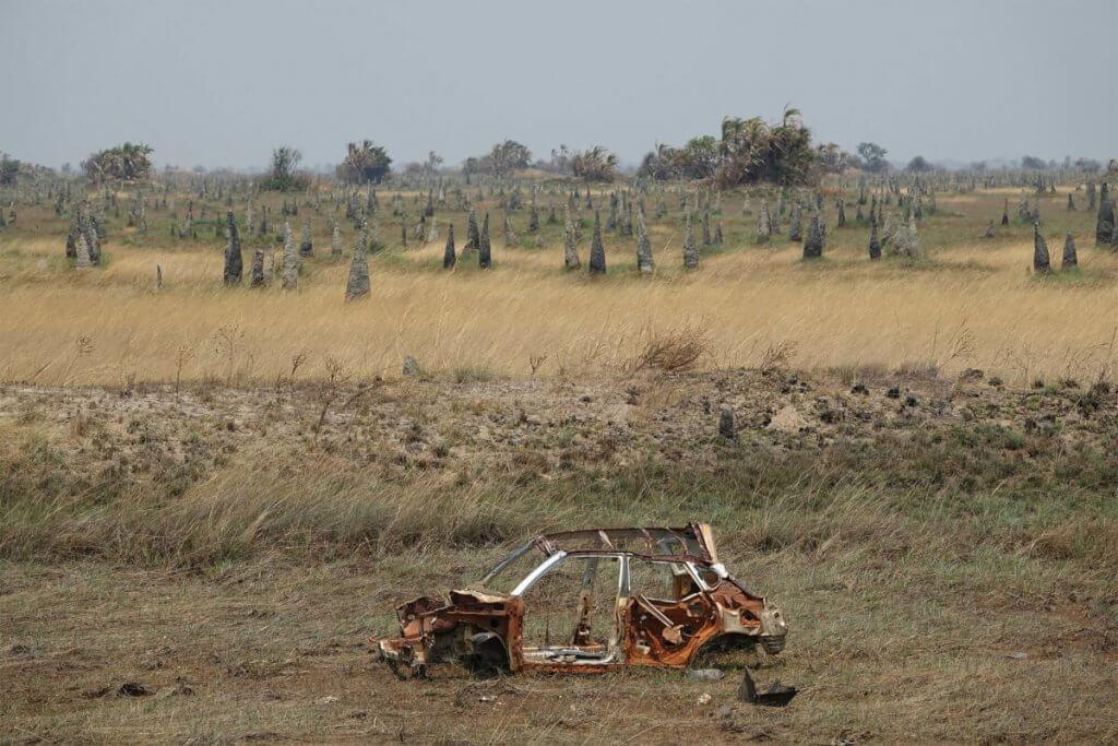 Termitenhügel auf dem Weg in die Bangweulu.