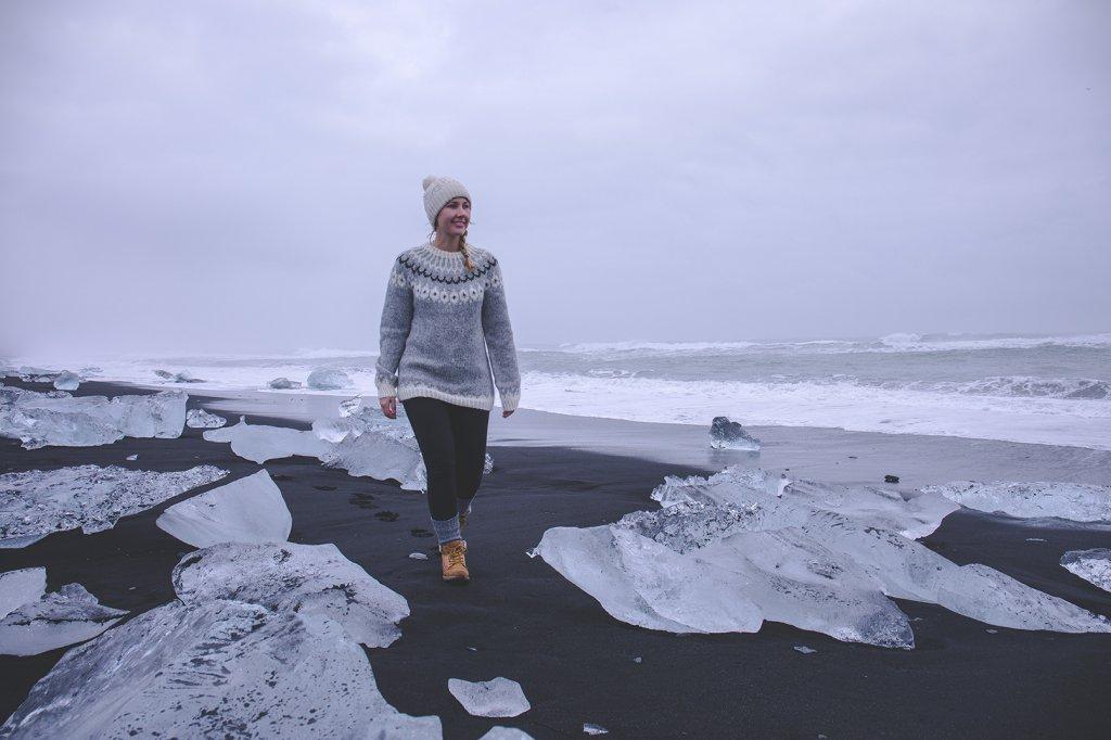 Line an der Gletscherlagune Jökulsárlón auf Island.
