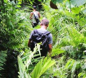 Ania und Daniel vom Reiseblog Geh Mal Reisen auf ihrer Rundreise durch Sulawesi.