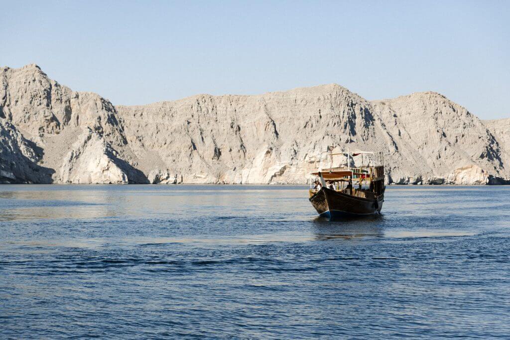 Traditionell arabisches Schiff, ein sogenanntes Dhau.