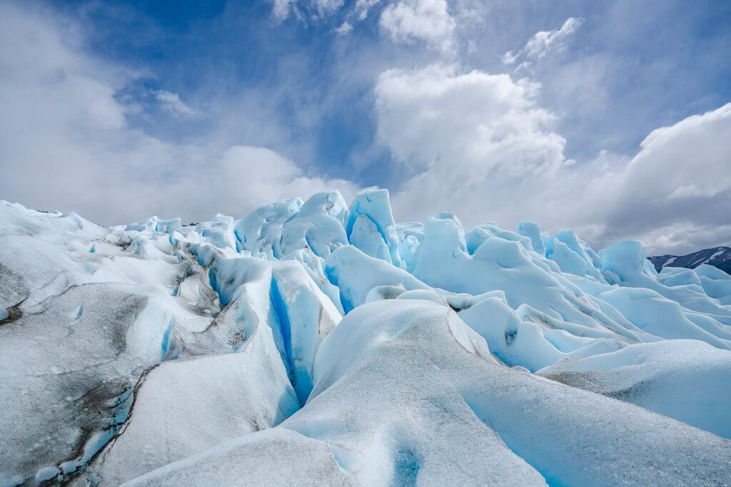 Der Perito Moreno Gletscher ragt bis zu 75 m in die Höhe.